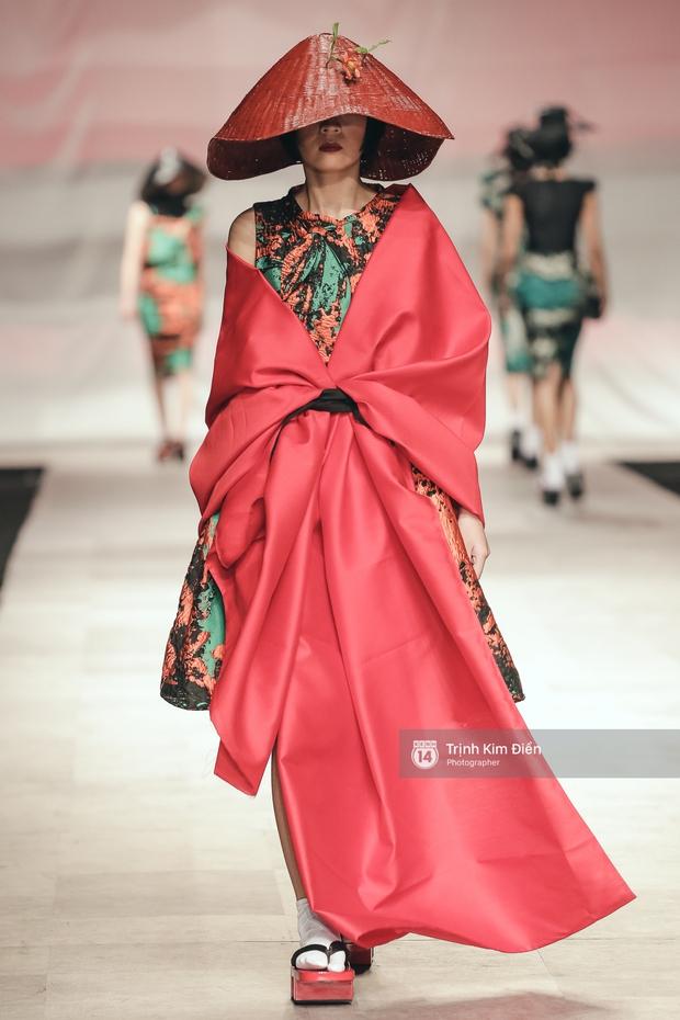 Gói gọn 6 ngày - 5 đêm của Vietnam International Fashion Week trong những khung hình tuyệt vời nhất! - Ảnh 29.