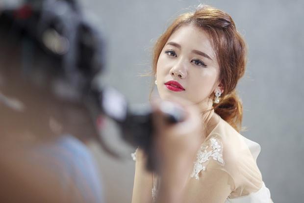 Hari Won cặp kè bạn trai của Chúng Huyền Thanh trong MV mới - Ảnh 2.