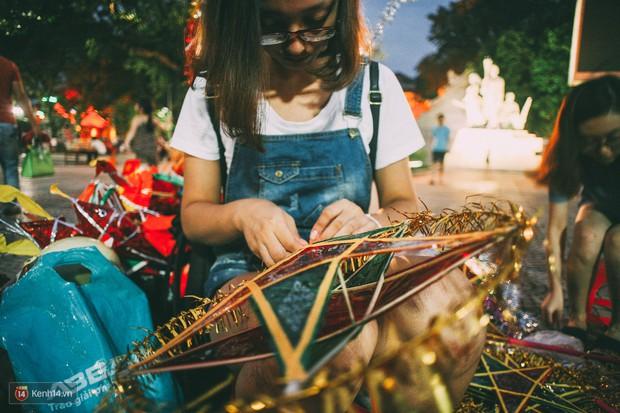 Gặp gỡ nhóm bạn trẻ mang trò chơi dân gian đến giữa lòng phố đi bộ ở Hà Nội - Ảnh 9.
