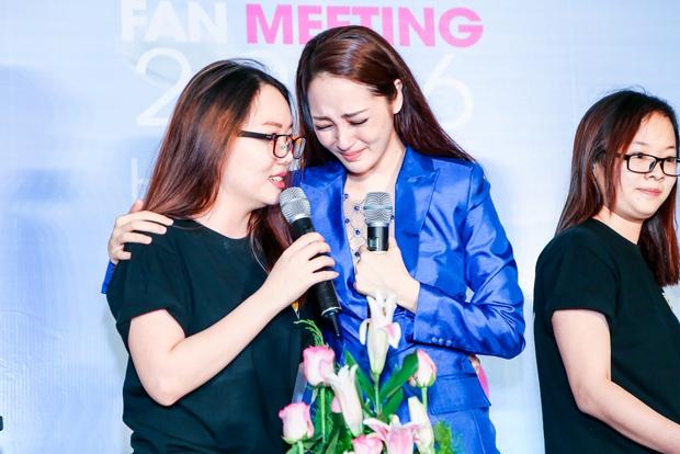 Bảo Anh rơi nước mắt hạnh phúc trong buổi tiệc sinh nhật cùng fan - Ảnh 4.