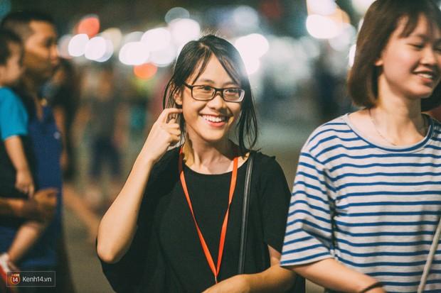 Gặp gỡ nhóm bạn trẻ mang trò chơi dân gian đến giữa lòng phố đi bộ ở Hà Nội - Ảnh 19.