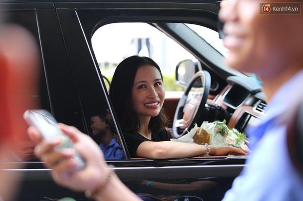 Minh Nhựa ra sân bay đón vợ con từ Hàn Quốc trở về sau những ngày vật vã đòi tự tử - Ảnh 8.