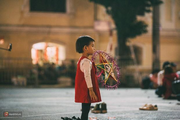 Gặp gỡ nhóm bạn trẻ mang trò chơi dân gian đến giữa lòng phố đi bộ ở Hà Nội - Ảnh 23.