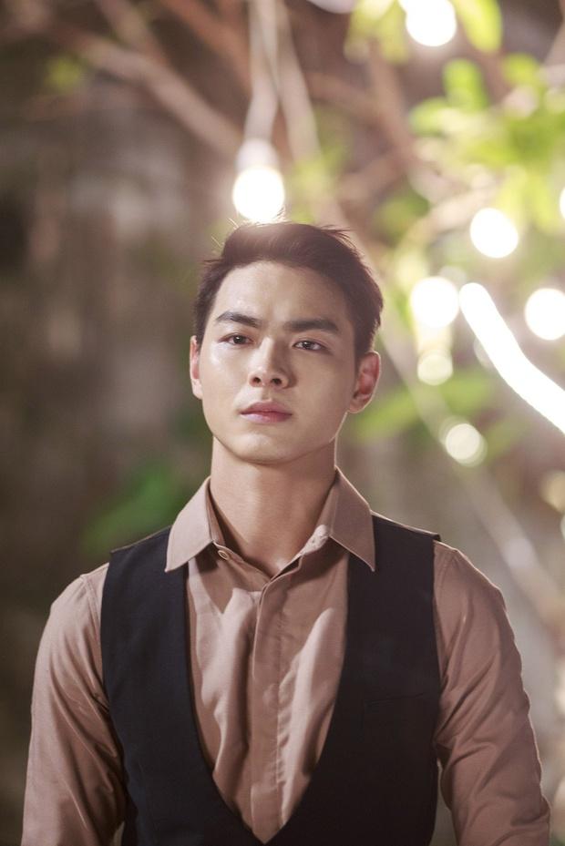 Hari Won cặp kè bạn trai của Chúng Huyền Thanh trong MV mới - Ảnh 8.