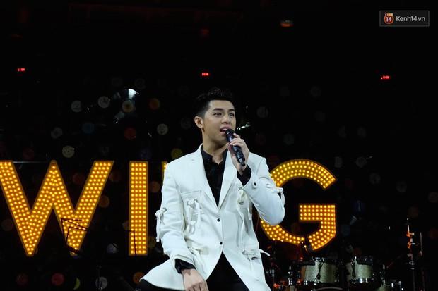 Noo Phước Thịnh đốn tim fan bằng cử chỉ đáng yêu, thú nhận vẫn đang độc thân vui tính - Ảnh 9.