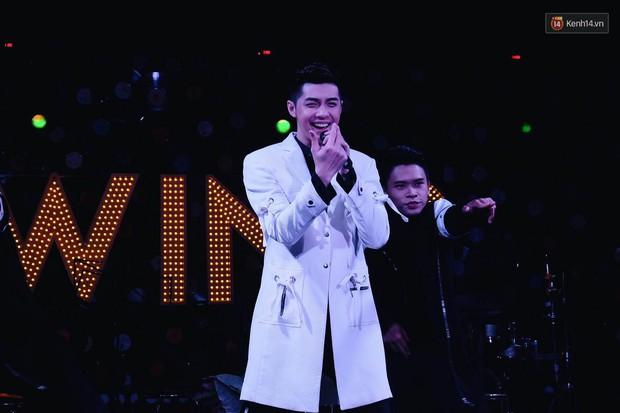 Noo Phước Thịnh đốn tim fan bằng cử chỉ đáng yêu, thú nhận vẫn đang độc thân vui tính - Ảnh 14.