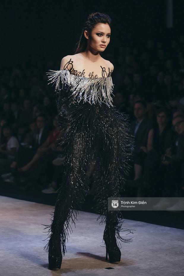 Gói gọn 6 ngày - 5 đêm của Vietnam International Fashion Week trong những khung hình tuyệt vời nhất! - Ảnh 19.