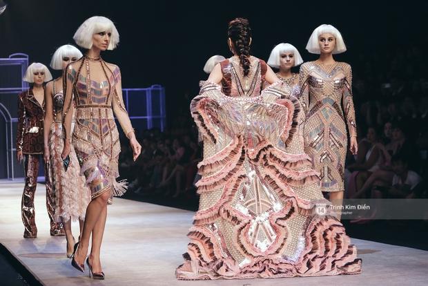 Gói gọn 6 ngày - 5 đêm của Vietnam International Fashion Week trong những khung hình tuyệt vời nhất! - Ảnh 27.