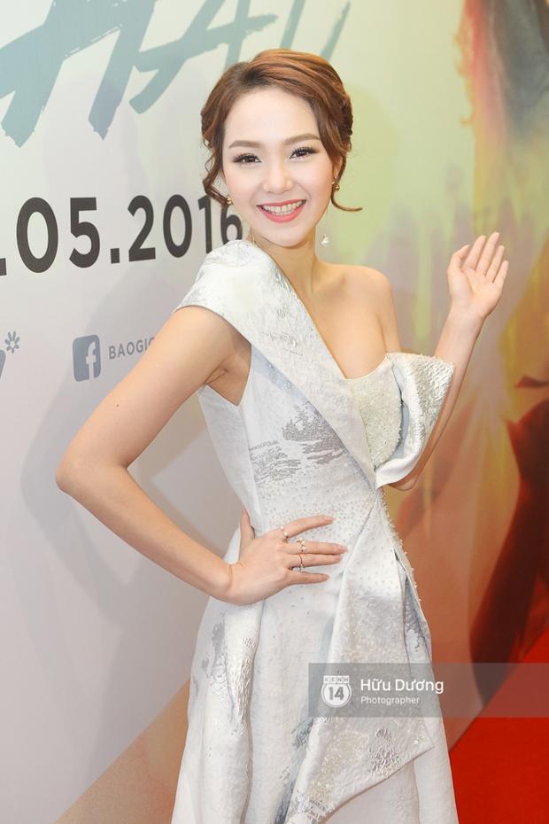 Minh Hằng xinh đẹp, khéo khoe vòng một gợi cảm khi ra mắt phim điện ảnh mới - Ảnh 2.