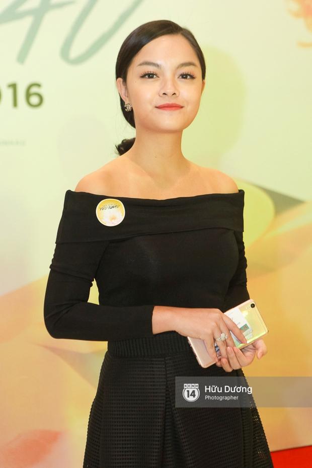 Minh Hằng xinh đẹp, khéo khoe vòng một gợi cảm khi ra mắt phim điện ảnh mới - Ảnh 11.