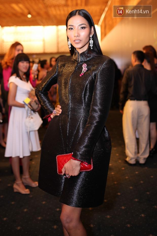 Dàn mỹ nhân Việt đua sắc với Áo dài trên thảm đỏ - Ảnh 15.