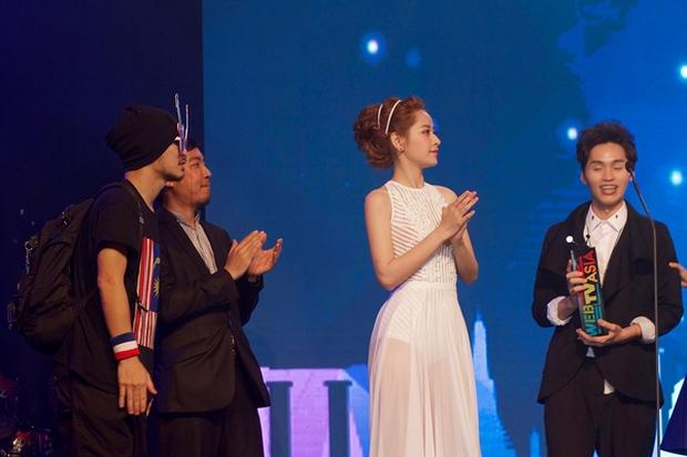 Chi Pu xuất hiện trong clip quảng bá cùng SNSD và hàng loạt ngôi sao châu Á - Ảnh 6.