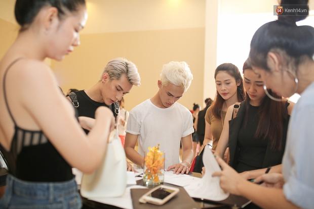 Mẫu lưỡng tính, mẫu chuyển giới nổi bật tại buổi casting cho Vietnam International Fashion Week - Ảnh 1.