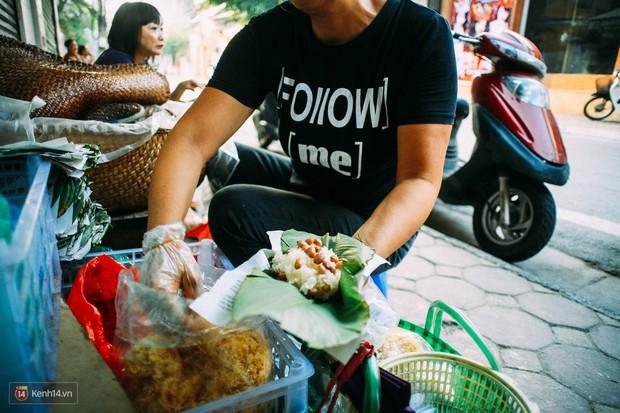 Ngày Hà Nội mát trời, đi ăn xôi ở 3 hàng vỉa hè cứ chậm chân... là hết - Ảnh 7.