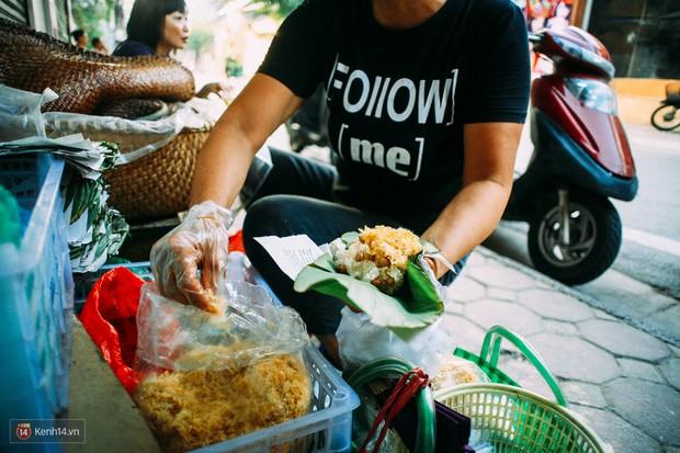 Ngày Hà Nội mát trời, đi ăn xôi ở 3 hàng vỉa hè cứ chậm chân... là hết - Ảnh 10.