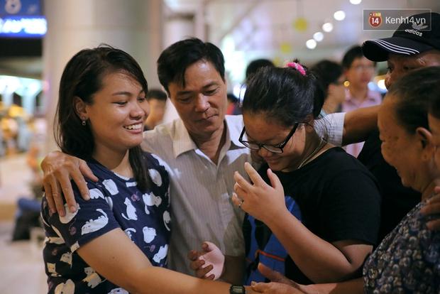 Gia đình cô lao công xúc động trong giây phút chia tay con gái lên đường nhập học Harvard - Ảnh 11.