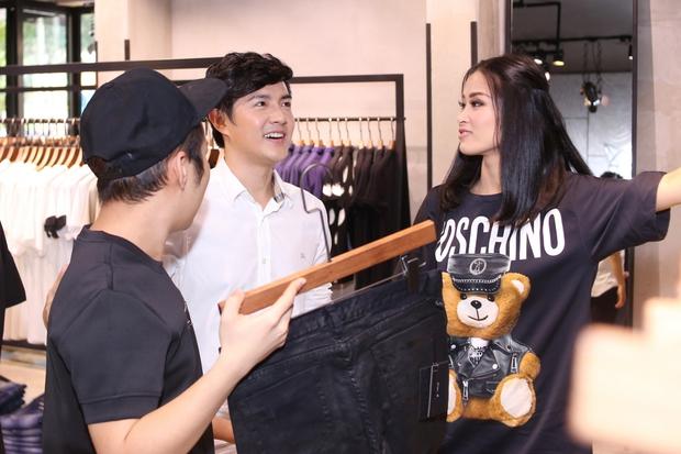 Bận rộn cho liveshow, Đông Nhi vẫn tranh thủ đưa Ông Cao Thắng đi mua sắm - Ảnh 6.