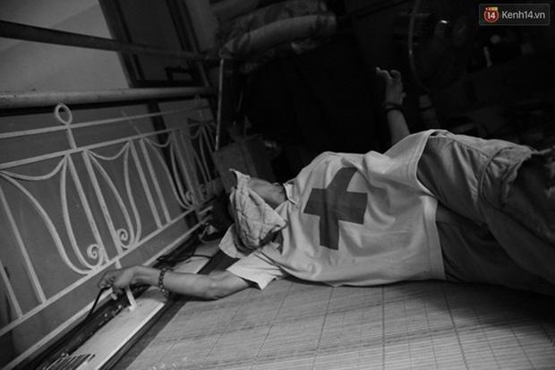 Nghị lực phi thường của chàng công tử ngồi xe lăn đi quyên tiền từ thiện trên phố - Ảnh 6.