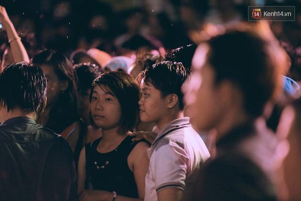 Ngày tự hào đồng tính - Những trái tim lục sắc đã có một đêm vui dưới mưa Sài Gòn như thế! - Ảnh 8.