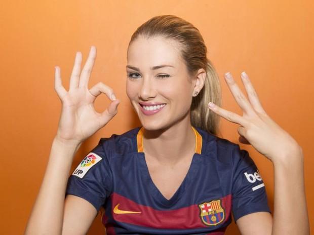 Hoa hậu thế giới 2015 phủ nhận chuyện hẹn hò với Neymar - Ảnh 2.