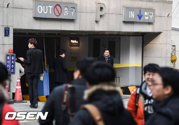 Hé lộ ảnh hiếm hoi trong đám cưới của chàng Rác Jung Woo và Kim Yoo Mi - Ảnh 5.