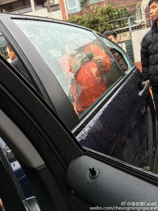 Âu Dương Chấn Hoa và Hoa hậu Hồng Kông may mắn thoát chết khỏi tai nạn rơi búa - Ảnh 4.