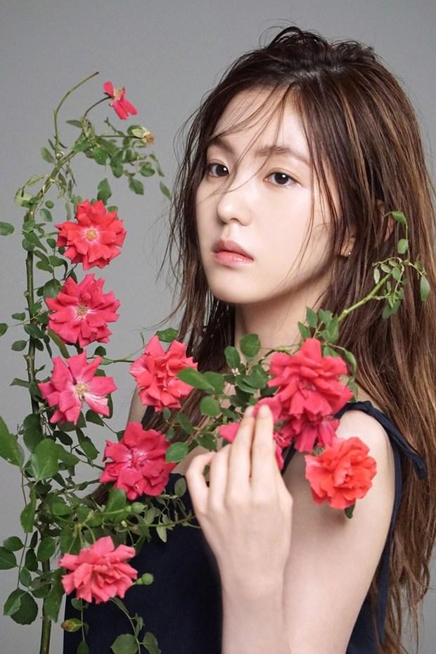 Irene đẹp không góc chết, Hwang Jung Eum sành điệu trên tạp chí - Ảnh 4.