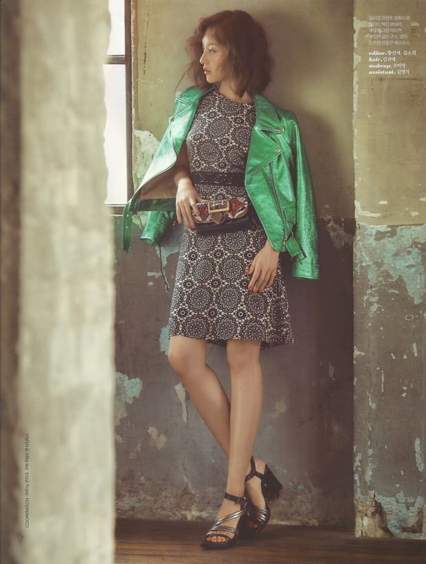 Park Shin Hye đẹp ma mị với suối tóc dài không tưởng, Shin Min Ah sành điệu trên tạp chí - Ảnh 19.