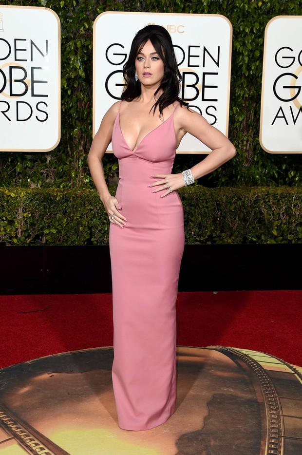 Katy Perry, Jennifer Lawrence và dàn sao lộng lẫy trên thảm đỏ Quả Cầu Vàng 2016 - Ảnh 1.