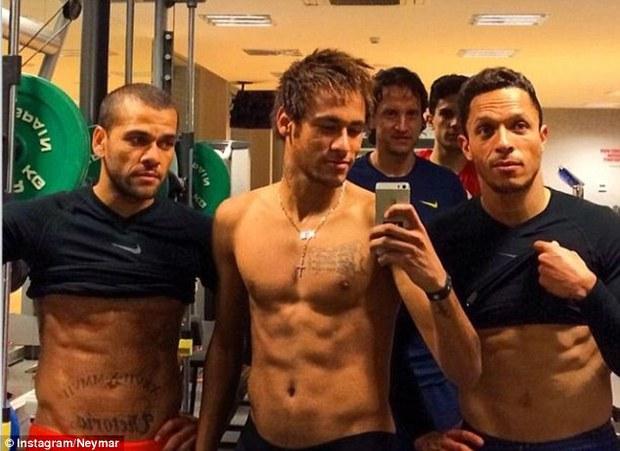Neymar, ngôi sao sân cỏ có màn lột xác ngoạn mục nhất - Ảnh 9.