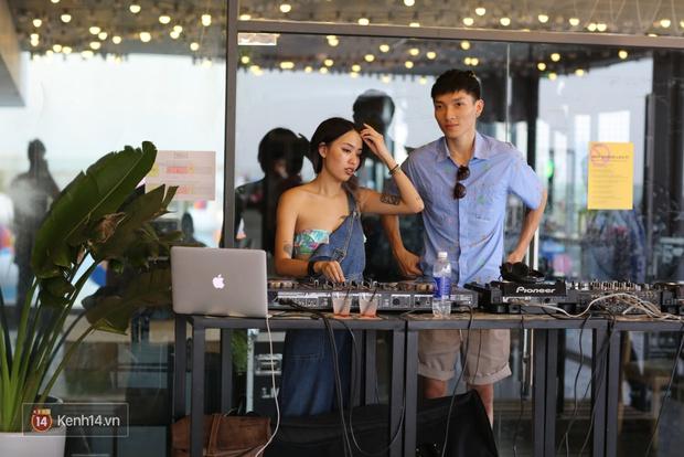 Mỗi dịp có pool party, giới trẻ Hà Nội lại được quẩy tưng bừng - Ảnh 2.