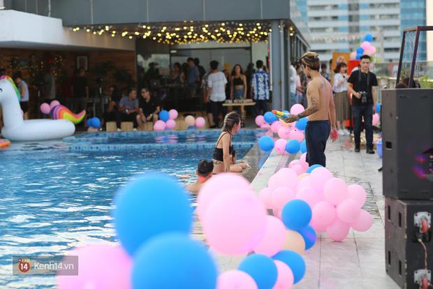 Mỗi dịp có pool party, giới trẻ Hà Nội lại được quẩy tưng bừng - Ảnh 4.