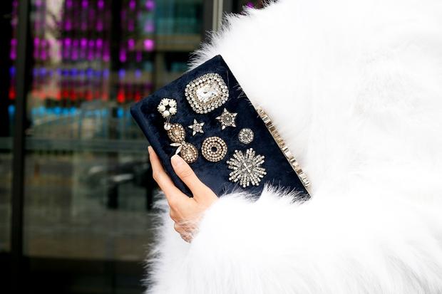 HOT: Mai Ngô & Lan Khuê nổi bần bật trên ghế khách mời tại Seoul Fashion Week - Ảnh 29.