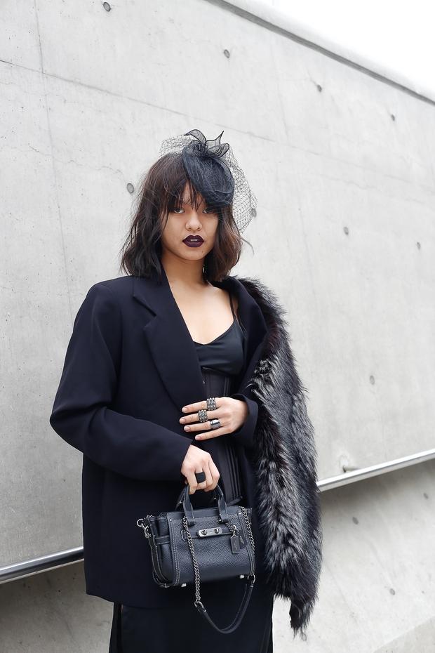 HOT: Mai Ngô & Lan Khuê nổi bần bật trên ghế khách mời tại Seoul Fashion Week - Ảnh 20.