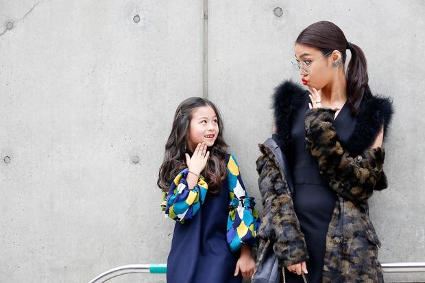 HOT: Mai Ngô & Lan Khuê nổi bần bật trên ghế khách mời tại Seoul Fashion Week - Ảnh 19.