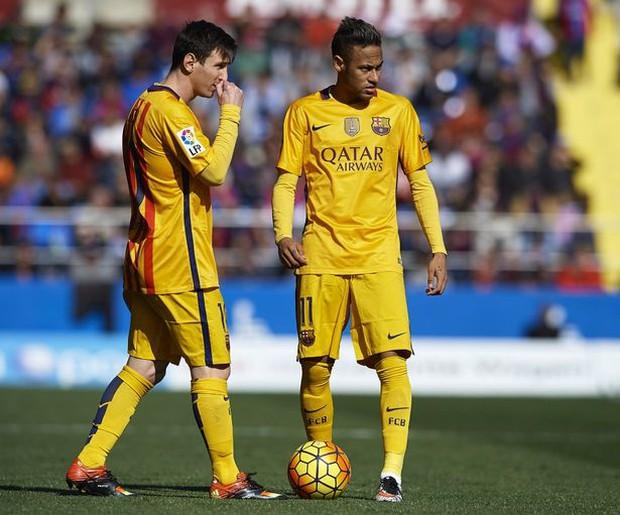 Tin... khó tin: Messi lần đầu nhận giải cầu thủ hay nhất tháng của La Liga - Ảnh 2.