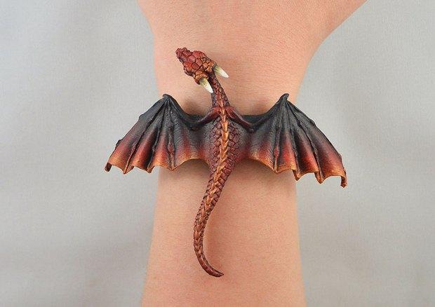 Bộ trang sức cực chất lấy cảm hứng từ Mẹ rồng Daenerys Targaryen - Ảnh 10.
