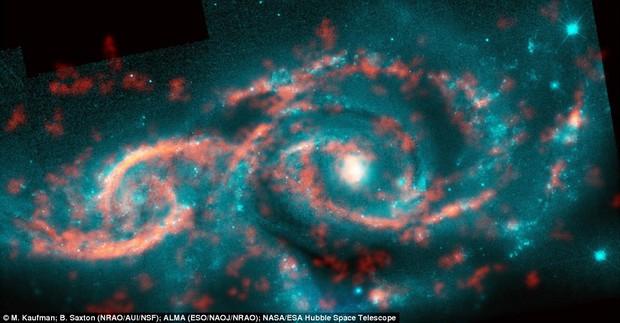 Mắt quỷ vũ trụ xuất hiện khi vụ va chạm kinh hoàng này xảy ra - Ảnh 1.