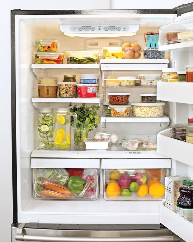 Đây là vị trí bạn nên đặt thực phẩm trong tủ lạnh để giúp chúng tươi ngon lâu nhất - Ảnh 1.