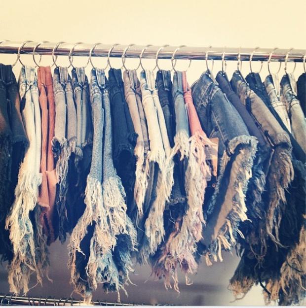 9 mẹo vặt giúp bạn có tủ quần áo gọn gàng đón năm mới - Ảnh 7.
