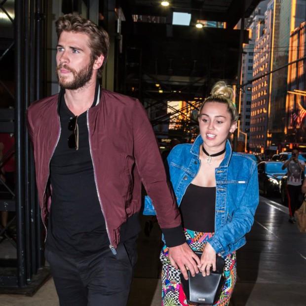 Là ngôi sao nổi tiếng, nhưng Miley và Liam chỉ lên kế hoạch làm đám cưới nhỏ - Ảnh 1.