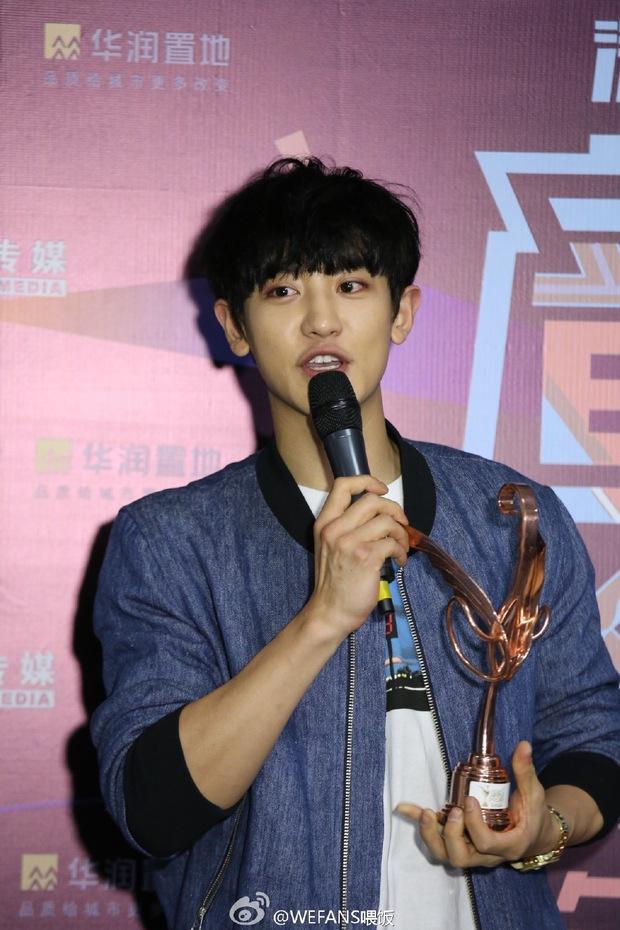 Dàn sao hot nhất Hoa - Hàn hội ngộ tại thảm xanh Chinese Top Music Awards - Ảnh 26.