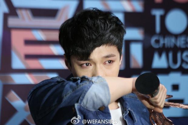 Dàn sao hot nhất Hoa - Hàn hội ngộ tại thảm xanh Chinese Top Music Awards - Ảnh 32.