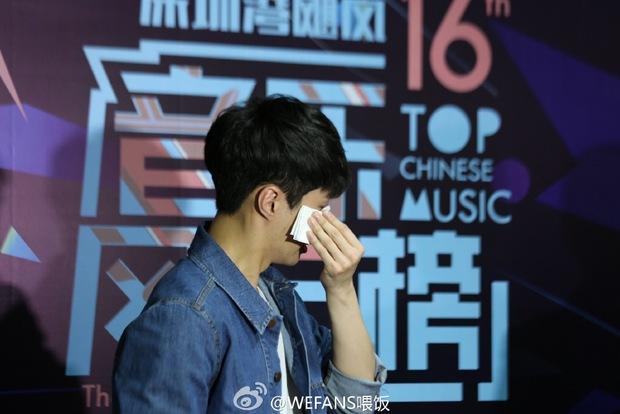 Dàn sao hot nhất Hoa - Hàn hội ngộ tại thảm xanh Chinese Top Music Awards - Ảnh 33.