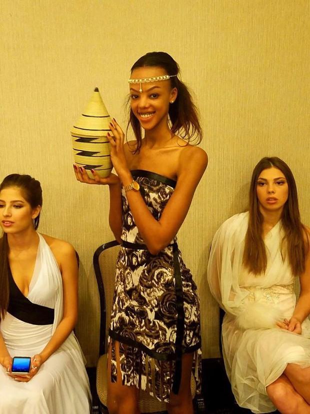 Gặp sự cố bất ngờ, Diệu Ngọc buộc phải thay đổi phần thi tài năng tại Miss World vào phút chót - Ảnh 14.