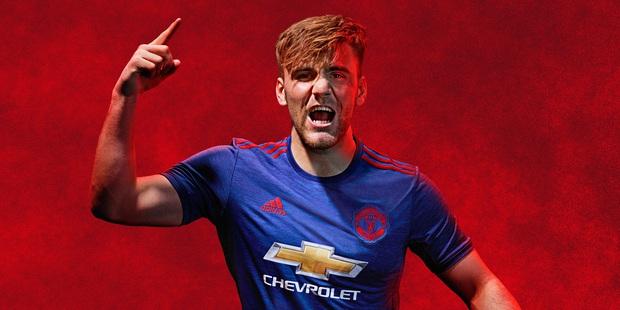 Mẫu áo đấu sân nhà mùa 2016/17 của Man Utd bị lộ trước ngày ra mắt - Ảnh 6.