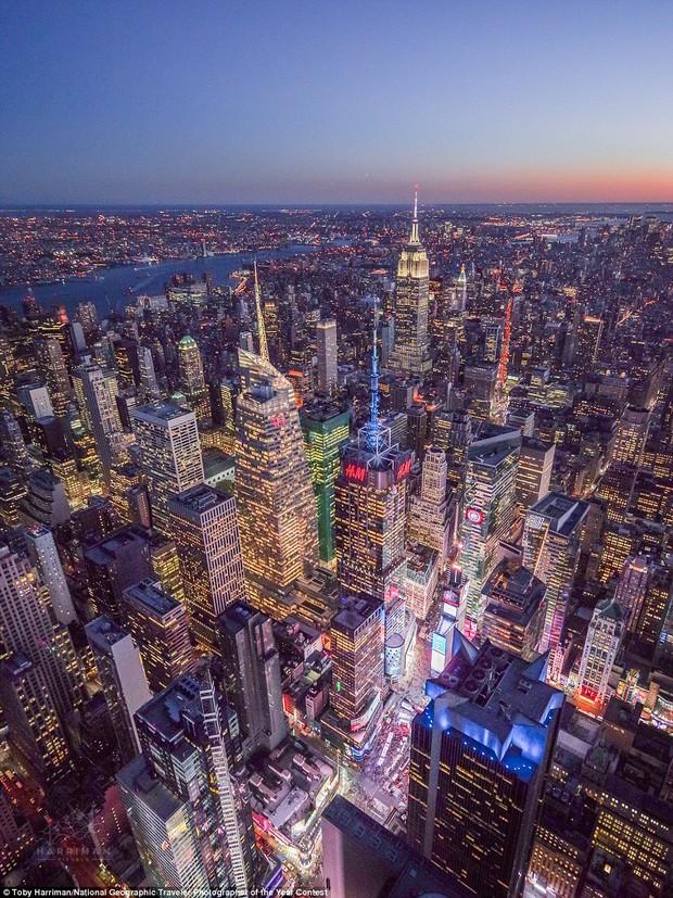 13 bức hình đẹp hút hồn về thành phố không ngủ New York - Ảnh 1.