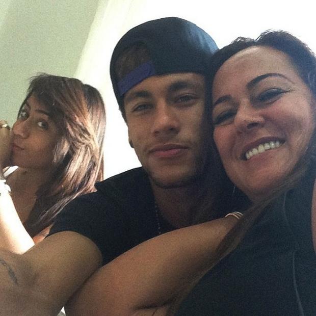 Những hình ảnh chứng tỏ Neymar yêu mẹ vô bờ bến - Ảnh 8.