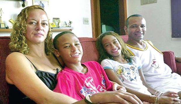 Những hình ảnh chứng tỏ Neymar yêu mẹ vô bờ bến - Ảnh 9.