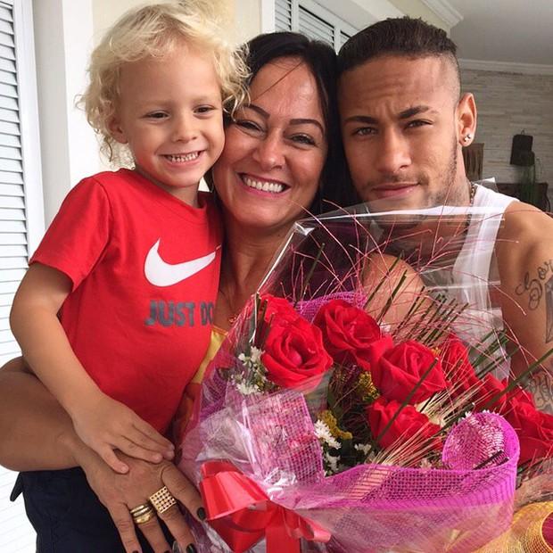 Những hình ảnh chứng tỏ Neymar yêu mẹ vô bờ bến - Ảnh 12.